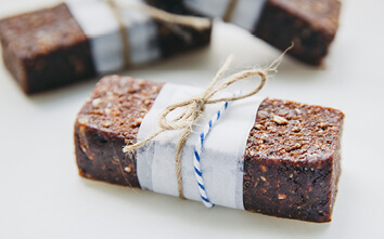 On the Go? These Peanut Butter & Cacao Energy Bars Are For YOU!