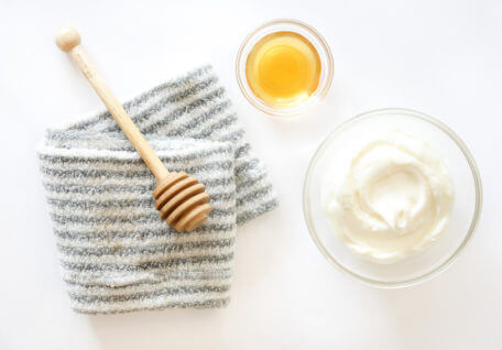 DIY Honey & Yoghurt Hair Mask