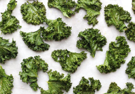 Crispy Kale Chips – The Deliciously Salty Snack That's Good For You!