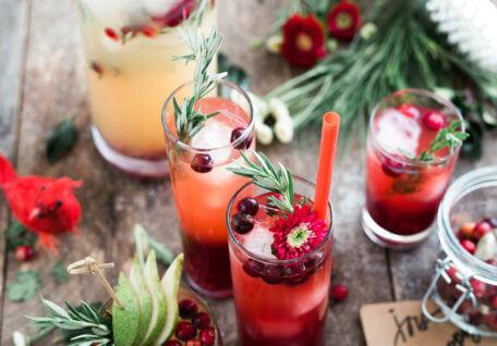 Navigating Holiday Parties the Healthy (& Fun!) Way